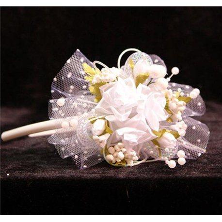 Обруч весений букет с фатином белые Розы 4282
