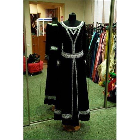 Взрослый карнавальный костюм Средневековая дама из черного бархата 0329, 0330