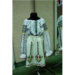 Costum national pentru fetita 7-10 ani 4175